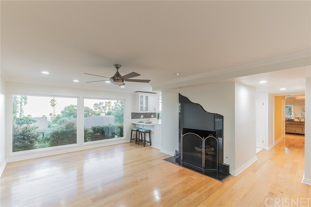 Family rm open to kitchen w/City view