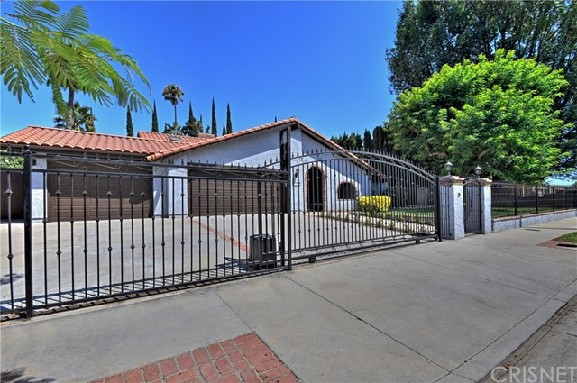6300 Royer Avenue, Woodland Hills, CA 91367