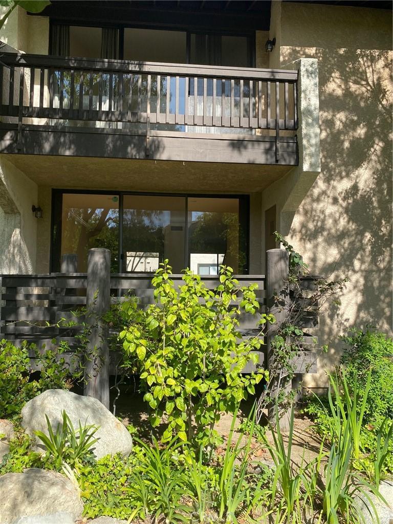 21821     Burbank Boulevard   147, Woodland Hills CA 91367