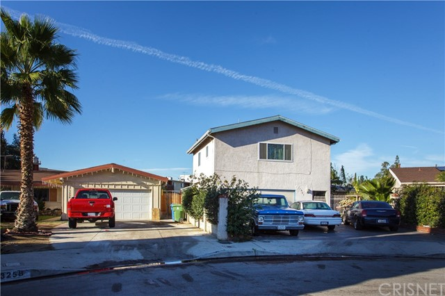 7651 Melita Avenue, North Hollywood, CA 91605