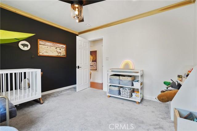 32. 5537 Bevis Avenue Sherman Oaks, CA 91411