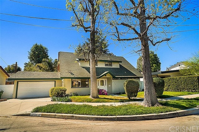 13724 Cumpston Street, Sherman Oaks, CA 91401