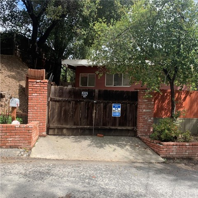 4325 Canoga Avenue, Woodland Hills, CA 91364
