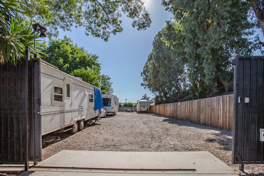 10721 Columbus Av, Mission Hills (San Fernando), CA 91345 Photo 29