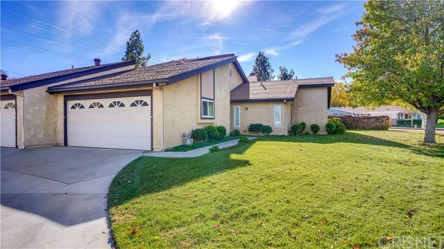 19042 Avenue Of The Oaks, Newhall, CA 91321