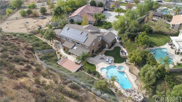 30276 Barcelona Rd, Castaic, CA 91384 Photo 5