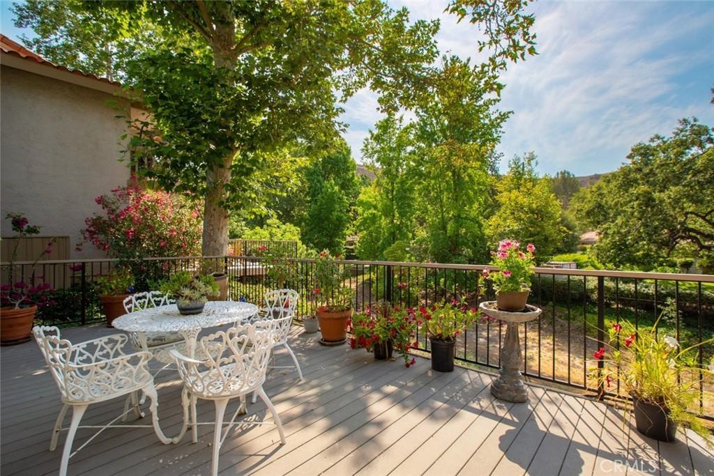 Photo of 694 N Valley Drive, Westlake Village, CA 91362