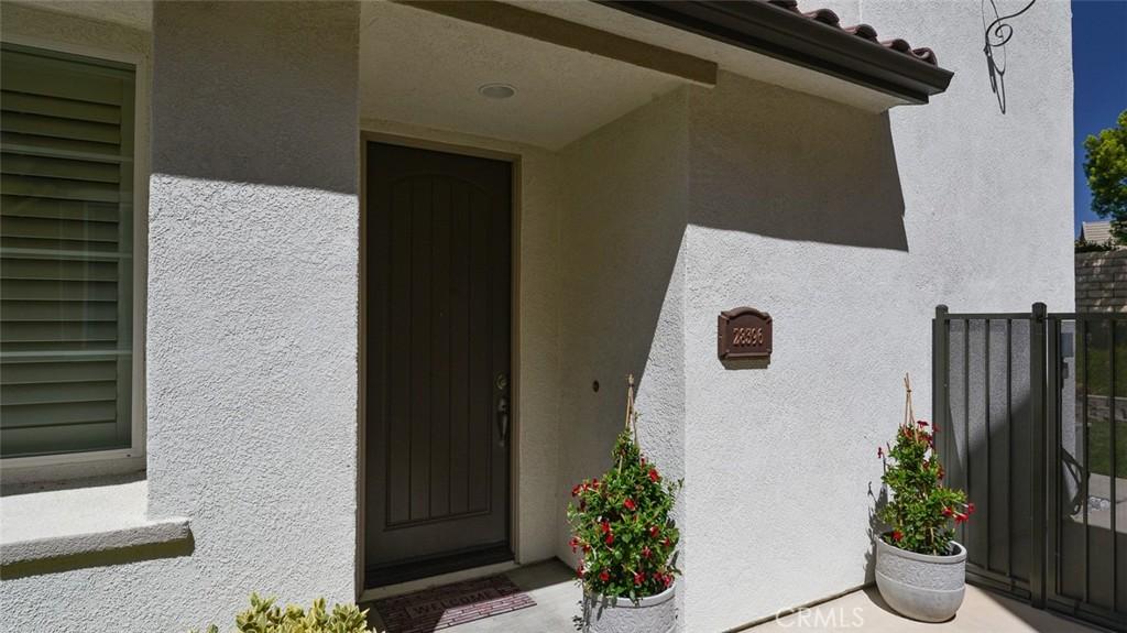 28396     Mirabelle Lane   462, Saugus CA 91350
