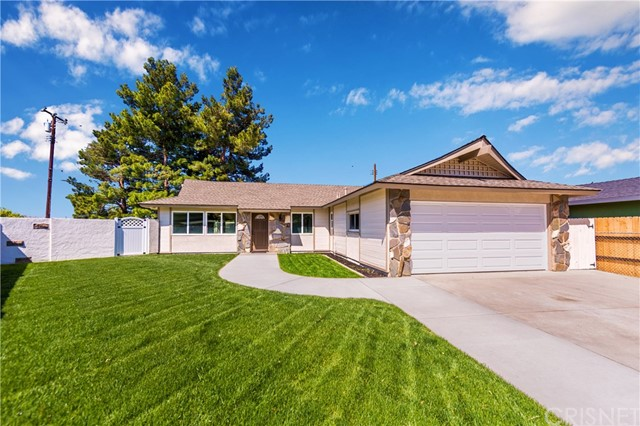 28045 Lacomb Drive, Canyon Country, CA 91351