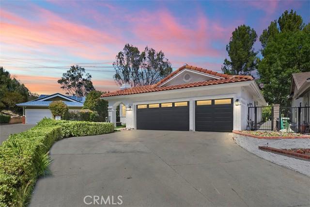 8118 Valley Flores Dr, West Hills, CA 91304