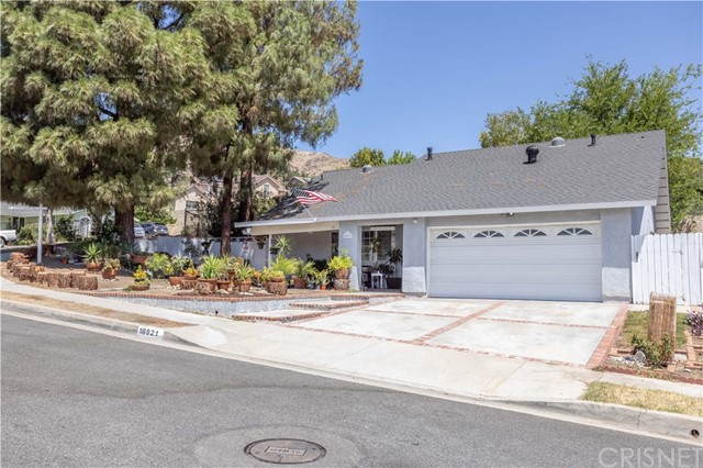 18921 Ermine Street, Canyon Country, CA 91351