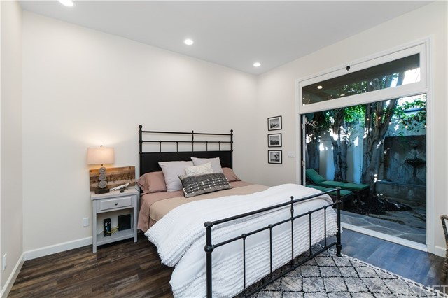 Image 16 of 816 N Mansfield Ave, Hollywood, CA 90038