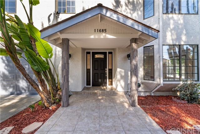5802 Colfax Avenue, North Hollywood, CA 91601