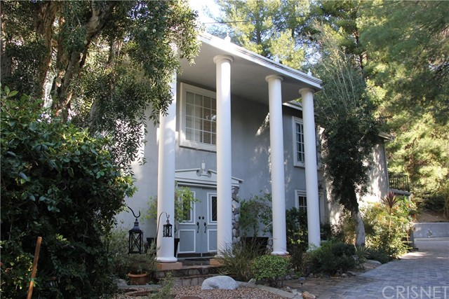 16651 Calneva Drive, Encino, CA 91436