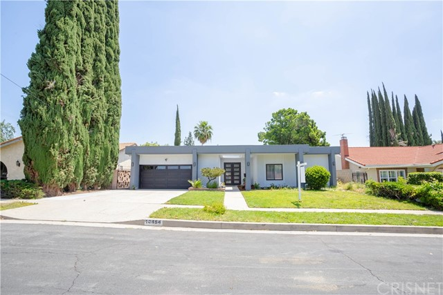 Photo of 10454 Yarmouth Avenue, Granada Hills, CA 91344