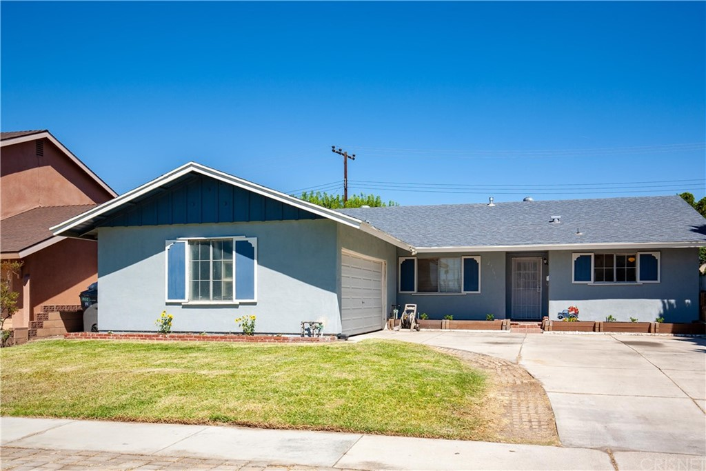 27156     Langside Avenue, Canyon Country CA 91351