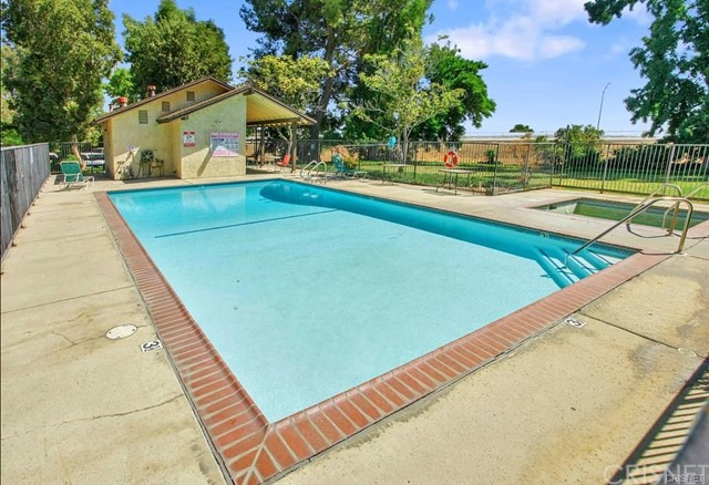 11300 Foothill Bl, Lakeview Terrace, CA 91342 Photo 11