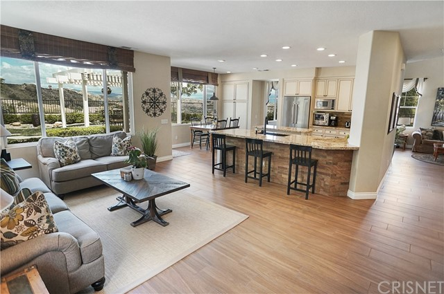 28703 Red Rock Ct, Castaic, CA 91384 Photo 7