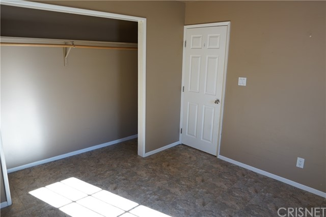 30019 Lexington Dr, Val Verde, CA 91384 Photo 15