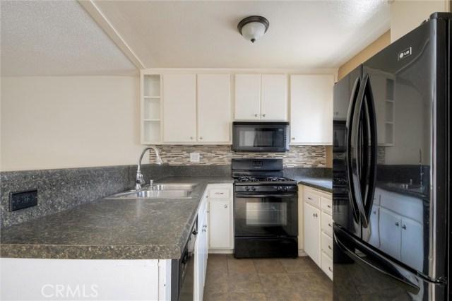 18530 Hatteras Street 123, Tarzana, CA 91356