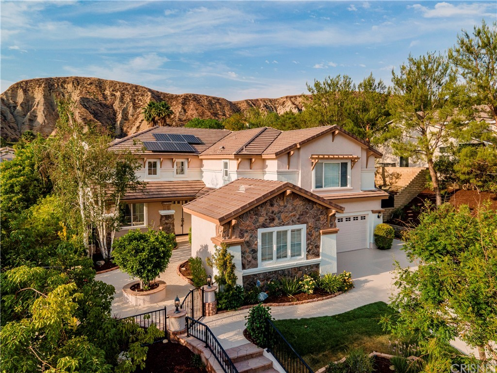 17761     Heron Lane, Canyon Country CA 91387