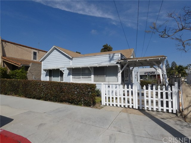 514 Gertruda Avenue, Redondo Beach, California 90277, 1 Bedroom Bedrooms, ,1 BathroomBathrooms,For Sale,Gertruda,SR20040613