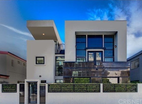 Property for sale at 25 SOUTH VENICE, Venice,  California 90291