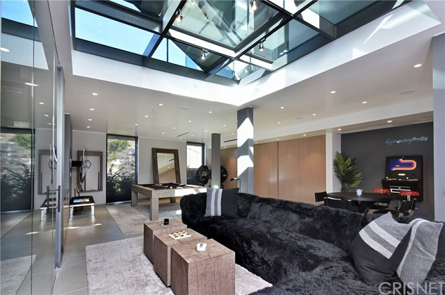 Image 30 of 1807 Blue Heights Dr, Los Angeles, CA 90069