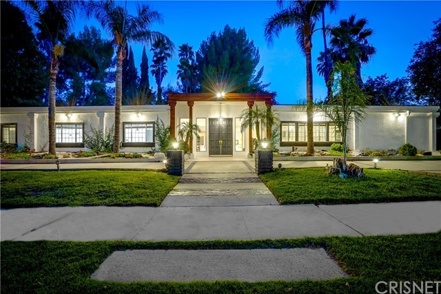 Photo of 17552 Gledhill Street, Northridge, CA 91325