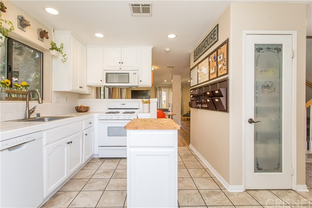 31248 Delwood St, Val Verde, CA 91384 Photo 9