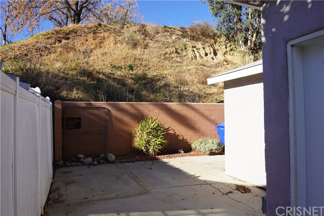 30019 Lexington Dr, Val Verde, CA 91384 Photo 9
