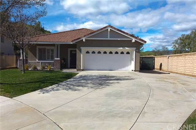 32927 Red Oak Court, Castaic, CA 91384