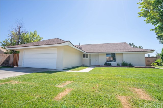 27204 Pine Hills Avenue, Canyon Country, CA 91351