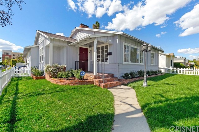 5631 Columbus Avenue, Sherman Oaks, CA 91411
