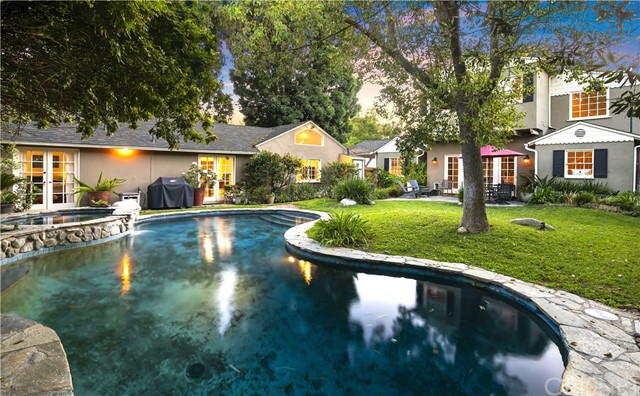 4922 Carpenter Avenue, Valley Village, CA 91607