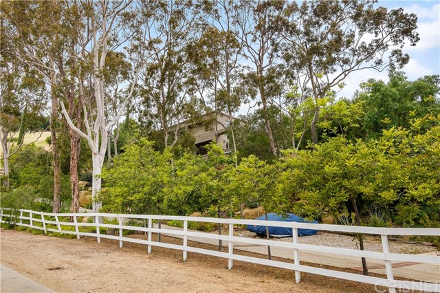 79 Stagecoach Road, Bell Canyon, CA 91307