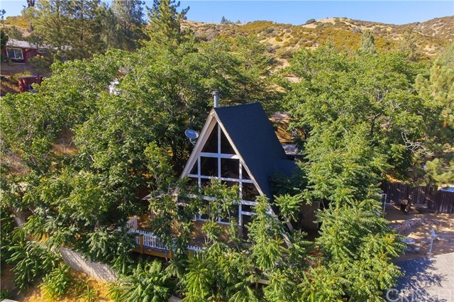 17720 Valley Trail, Lake Hughes, CA 93532