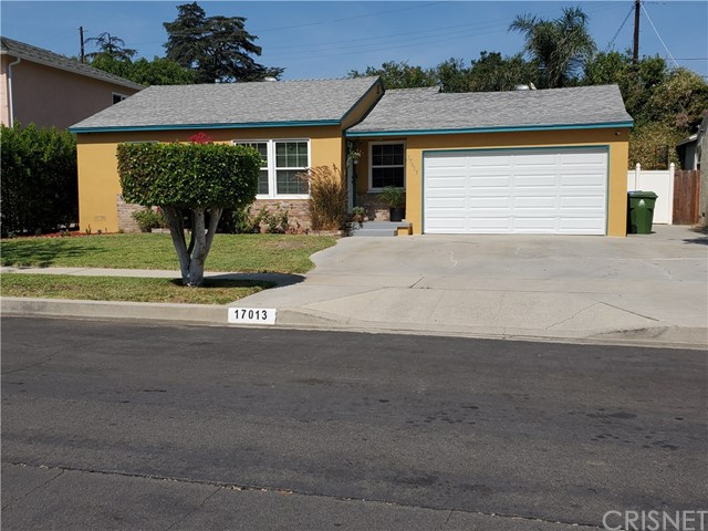 17013 Schoolcraft St, Lake Balboa, CA 91406 Photo