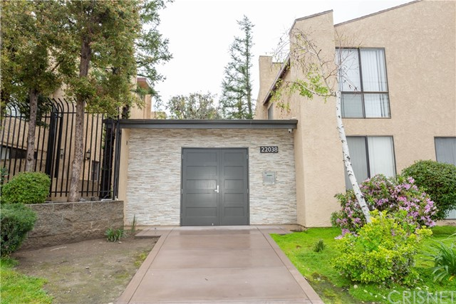 22038 Vanowen Street 212, Woodland Hills, CA 91303