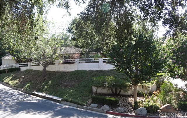 3931 Woodcliff Road, Sherman Oaks, CA 91403