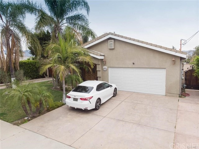 9270 Kewen Avenue, Sun Valley, CA 91352