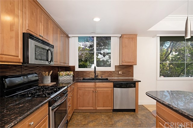9. 1601 S Bentley Avenue #201 Los Angeles, CA 90025