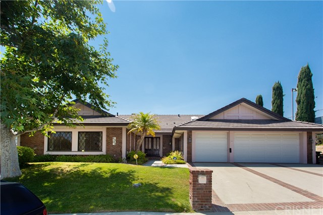 6001 Woodland View Drive, Woodland Hills, CA 91367