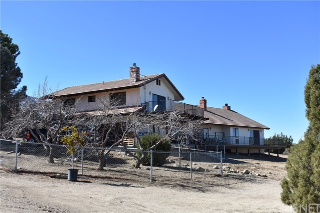 10839 Juniper Hills Road, Juniper Hills, CA 93543