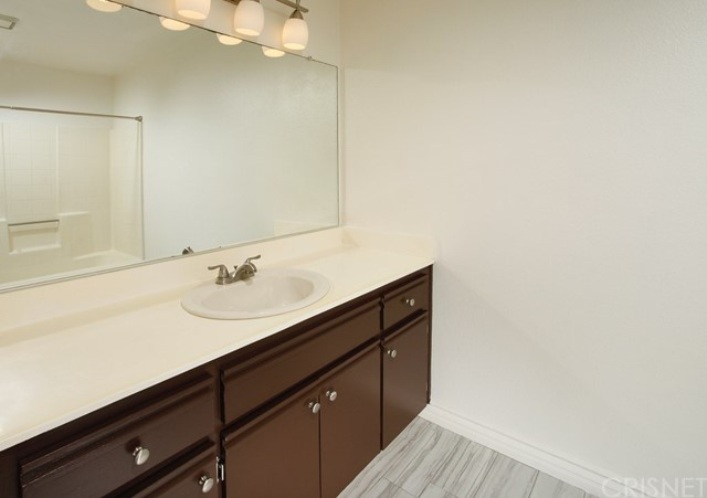 11300 Foothill Bl, Lakeview Terrace, CA 91342 Photo 5