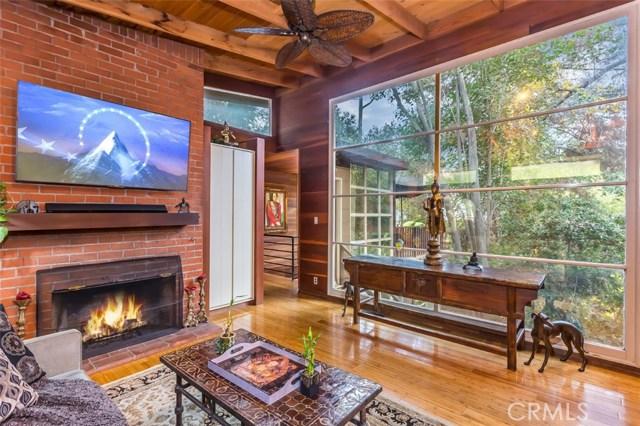 3855 Carpenter Avenue, Studio City, CA 91604