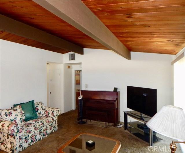 10027 Saloma Av, Mission Hills (San Fernando), CA 91345 Photo 3