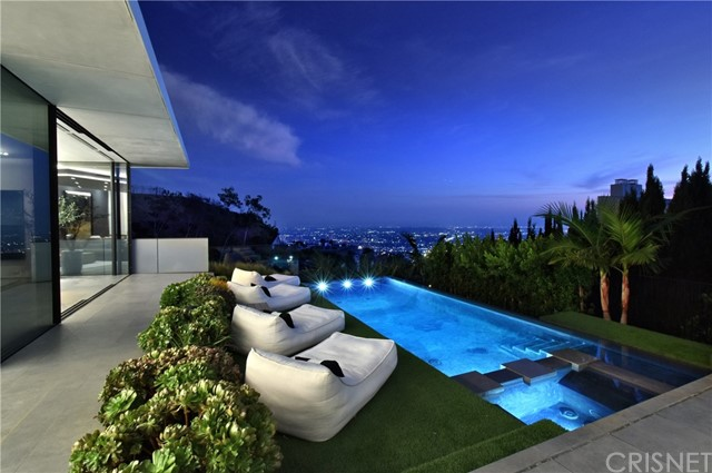 Image 14 of 1807 Blue Heights Dr, Los Angeles, CA 90069