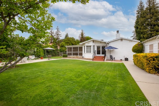 17340 Raymer St, Sherwood Forest, CA 91325 Photo 4