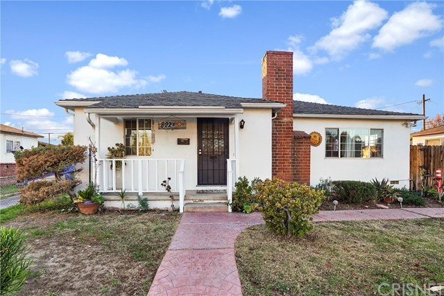 8027 Teesdale Avenue, North Hollywood, CA 91605